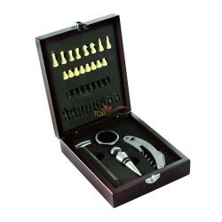 Zestaw do wina 5 el. w drewnianym pudełku, szachy i akcesoria do wina: termometr, pierścień, zatyczka, nóż kelnerski